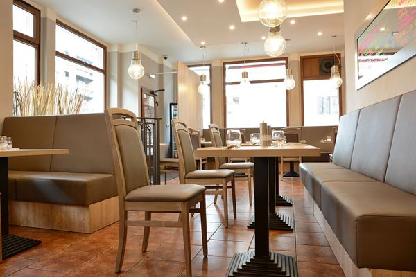 Nábytek do pizzerie od Gastronabytek24