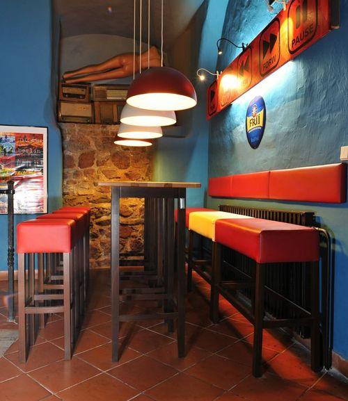 Dřevěná barová židle FABIO.