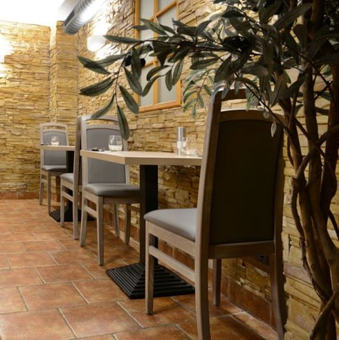 Drevená židle HEROLD