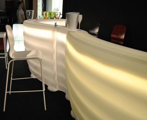 Sestavovací bar s osvětlením