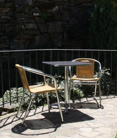 Zahradní stůl MIA HR60