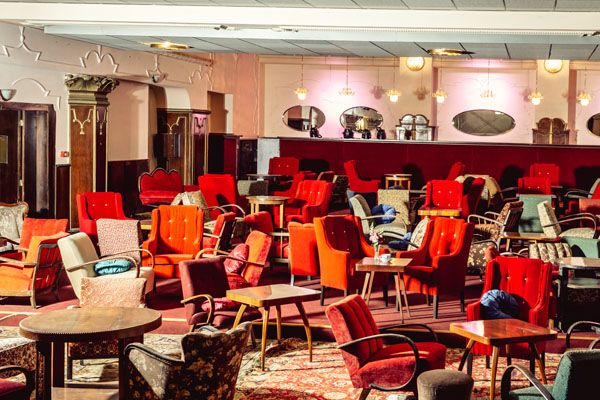 Theatre Cafe Royal 1
