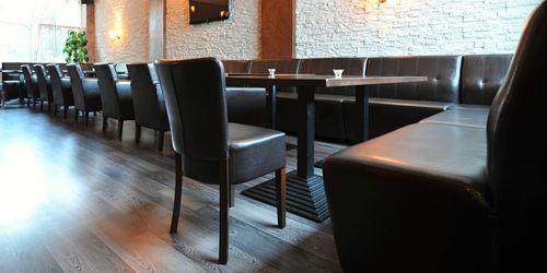 SK-Uvodní text podkategorie čalouněné drevené židle -2