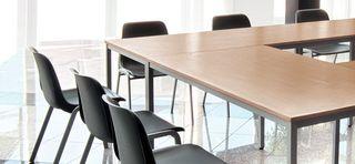 Stoly pre kancelárie a konferenčné sály