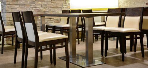 Drevené stoličky s čalúnením