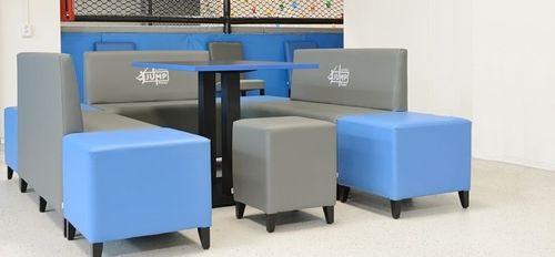 Lounge sedačky <br/> taburety, lavice a kocky