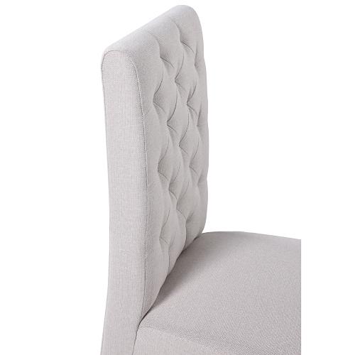 Ozdobné prešívanie na stoličkách
