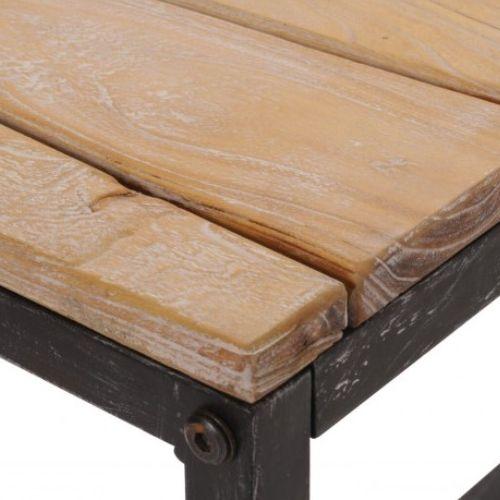 Nábytok z recyklovaného dreva