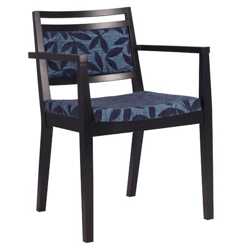 Dřevěné židle do restaurace s čalouněným sedákem
