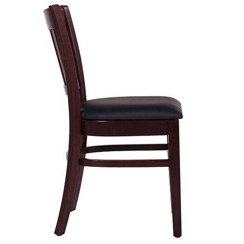 dřevěníé židle do restaurace