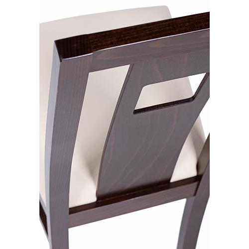 Dřevěné židle s čalouněním