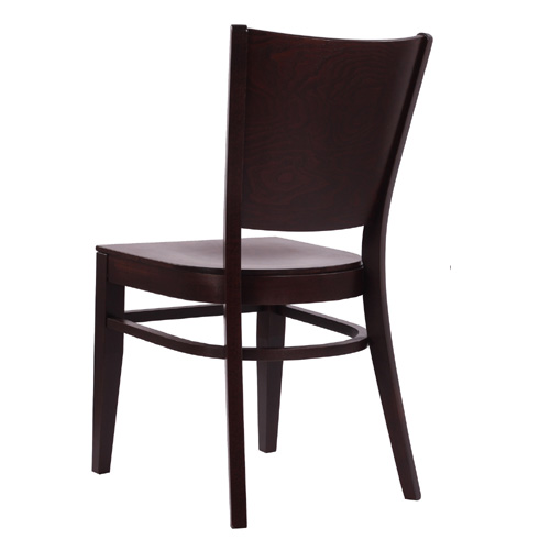 Dřevěné židle z ovýbaného masivu