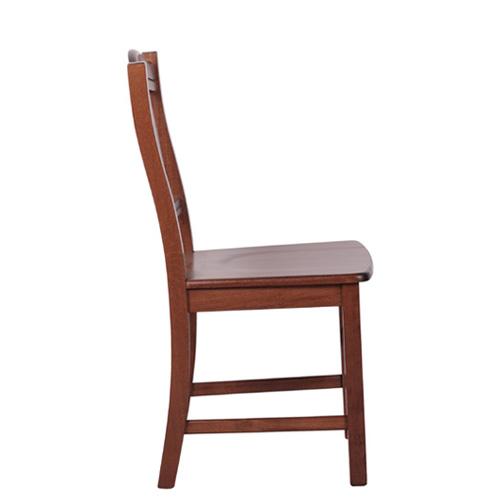Pohodlné dřevěné židle