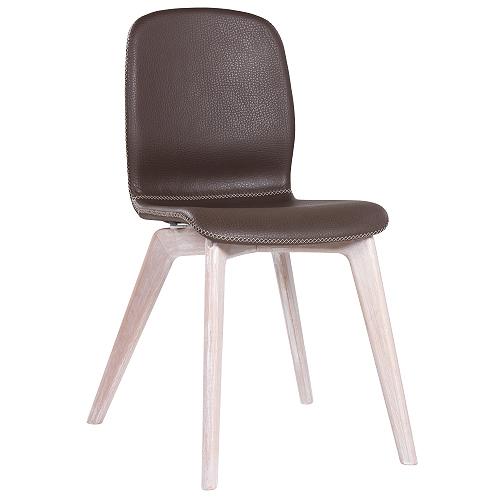 Designová židle s dřevěnou kostrou