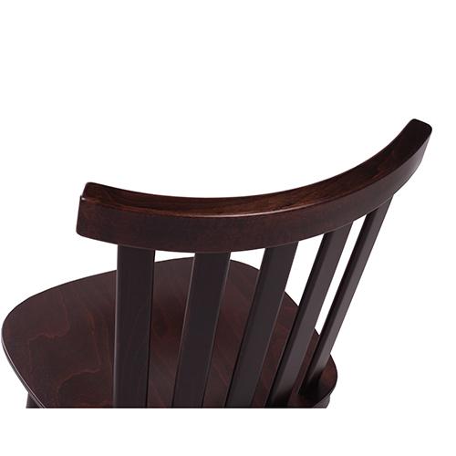 drevené stoličky do reštaurácie