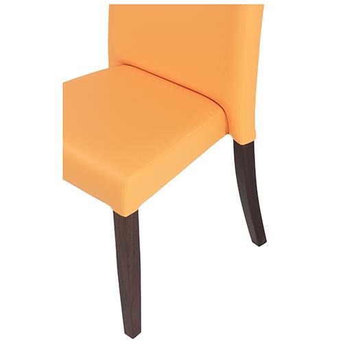 Stohování židle restaurace