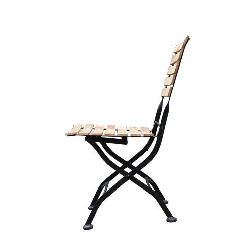 Zahradní židle jako pivní set