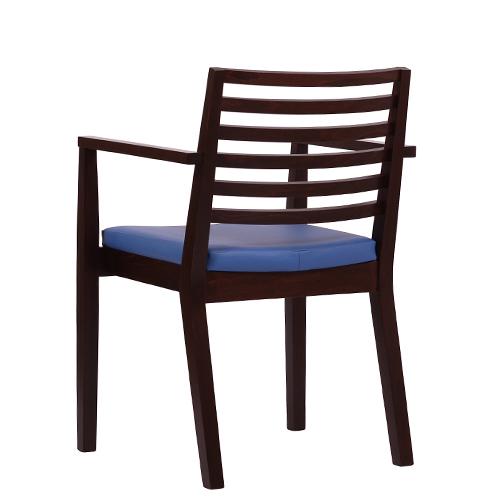 Dřevěná židle do restaurací