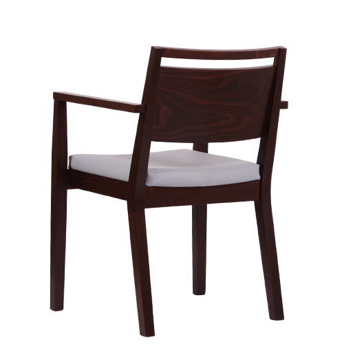 Dřevěné židle do restaurací s područkou