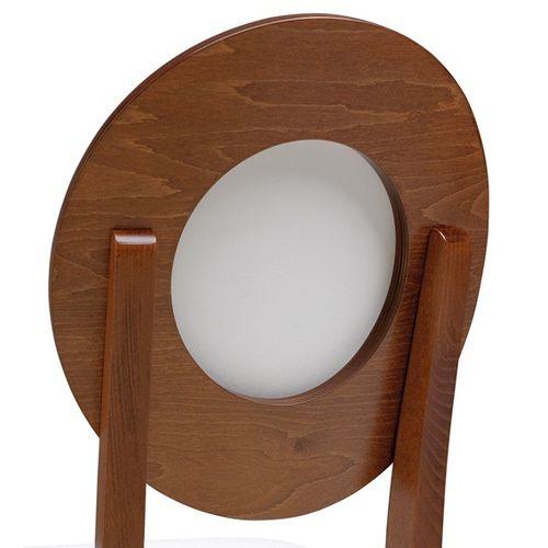 Dřevěná židle se sedákem ve tvaru medailon