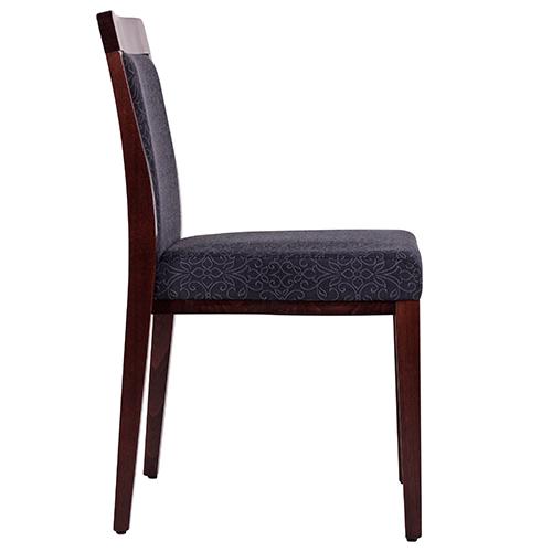Odolné dřevěné židle do restaurace s možností stohování