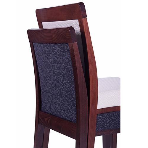Dřevěné židle do restaurace s možností stohování