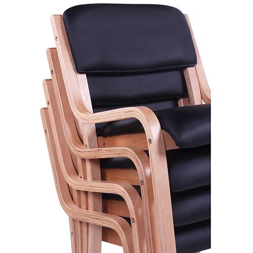Dřevěné židle s možností stohování