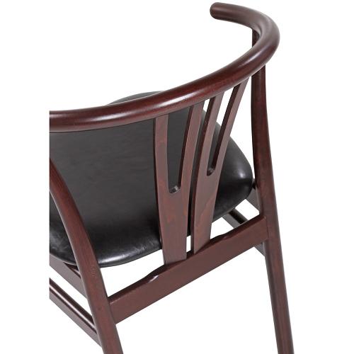 Retro dřevěné židle do restaurace