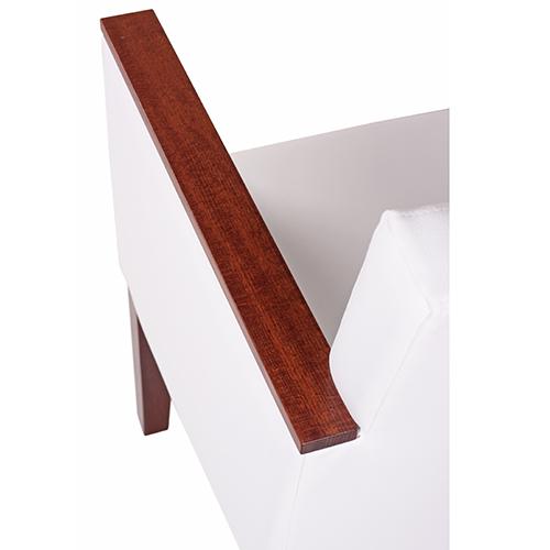 Loketní opěrky s dřevěnným dekorek
