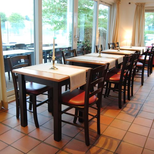 Dřevěné masivní stoly z barovice